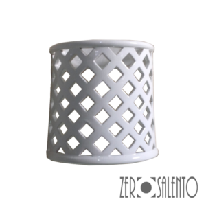 Lampada Applique laccata bianca in terracotta traforata a rombo.. by ZeroSalento