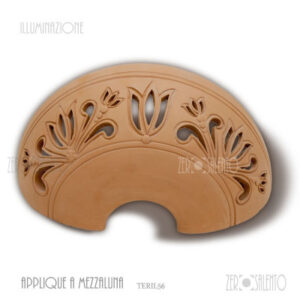 Applique Terracotta mezzaluna traforata floreale TERIL56
