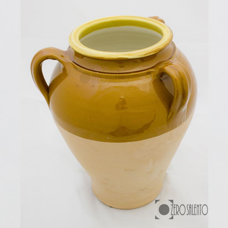 Recipiente Di Terracotta Per L Olio.Capasa In Terracotta Di Forma Panciuta Tipica Del Salento In Puglia