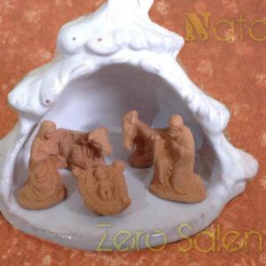 Presepe di Natale in Terracotta smalto bianco - Sacra Famiglia con Grotta