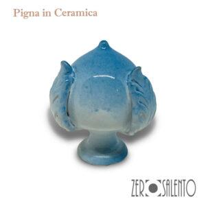 Pigna-o-Pumo-in-ceramica-bianco-e-azzurro