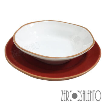 Piatto Fondo bianco con Piatto Piano rosso serie Deformè con bordi irregolari by ZeroSalento