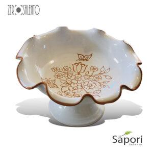 Alzatina Centrotavola con bordi smerlati in Terracotta Ceramica bianca decoro a incisione